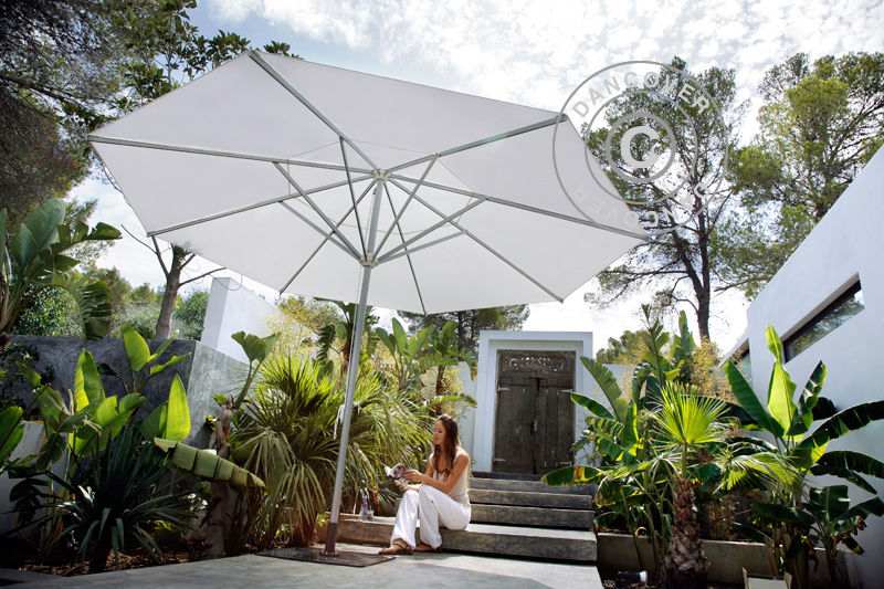 Parasols de jardin pour ombre et confort lors des jours d'été