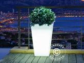 Pots élégants avec lumière intégrée